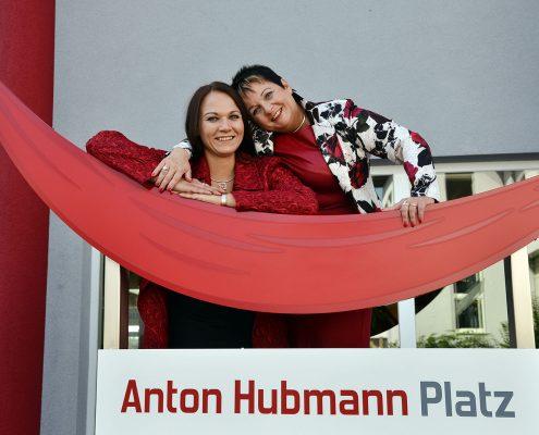 Geschäftsführung heute: Tochter Ing. Anita M. Hubmann und BM SV Marianne Dobler-Hubmann, MSc
